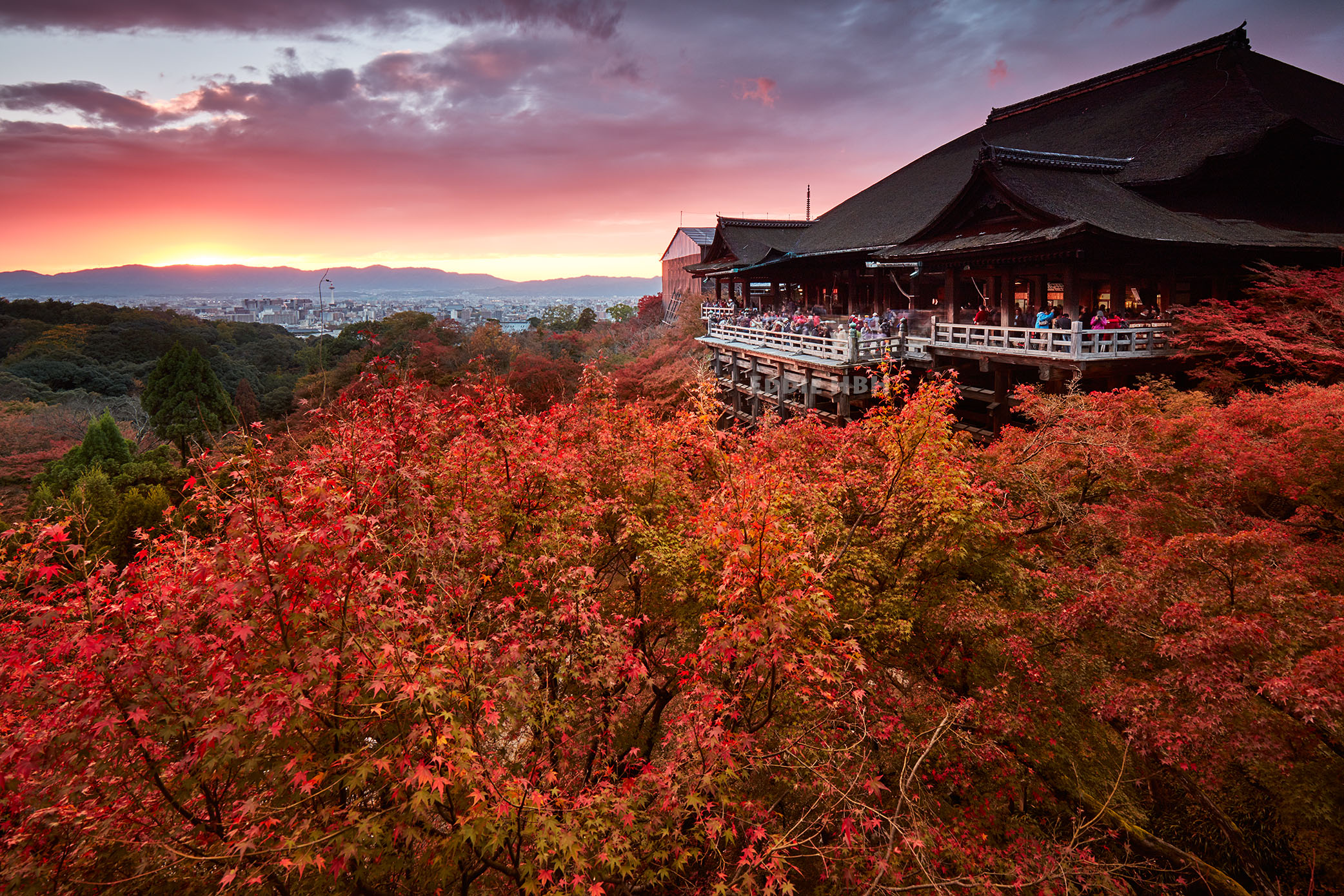Sunset on Kiyomizudera, the temple of pure water